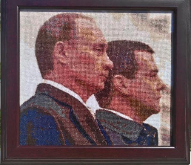 Схема вышивания крестом - Путин и Медведев